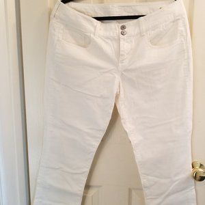 American Eagle White Crop Stretch Pants